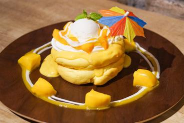 マンゴーとココナッツの常夏パンケーキ