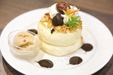 和栗のモンブランパンケーキ